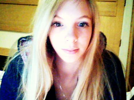 Marine est une jeune salope de 25 ans sur Paris et elle cherche un homme